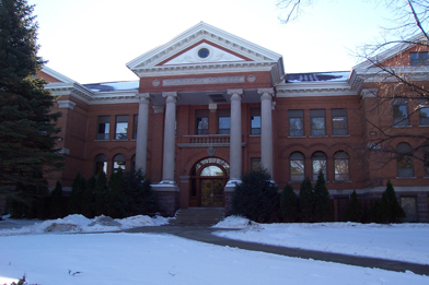 Old_Main_-_Concordia_College_-_Moorhead,_MN_in_2005